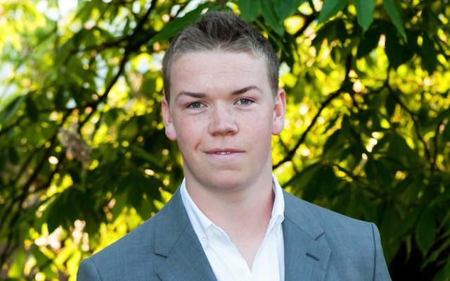Will Poulter will play the evil clown, Pennywise, in the upcoming Stephen King's It Remake.