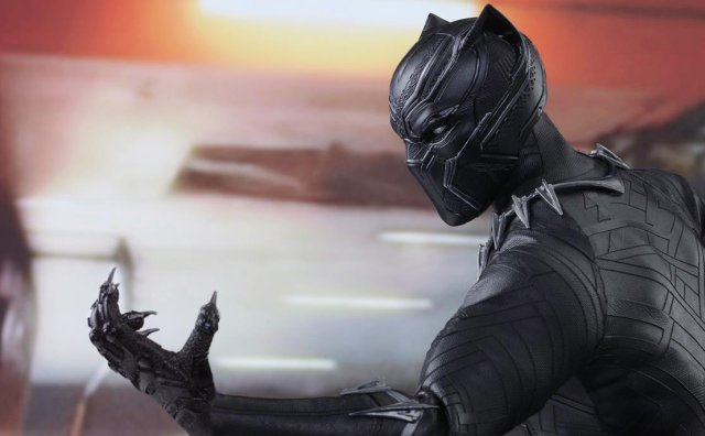 Captain America: Civil War's Black Panther Hot Toy Debuts