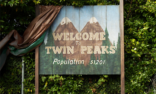 New Twin Peaks Teaser Featuring Angelo Badalamenti
