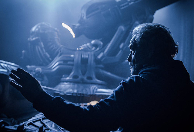 Ridley Scott on the Alien: Covenant Set in a New Photo