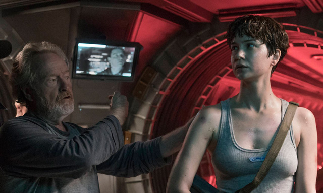 Katherine Waterston's Daniels in a New Look at Alien: Covenant