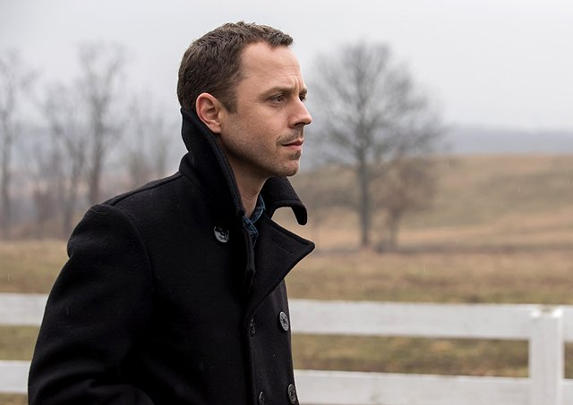 Sneaky Pete Season 2 Greenlit by Amazon