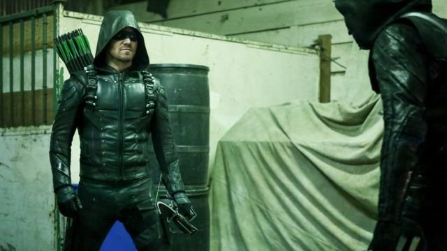 Extended Trailer for Arrow Mid-Season Premiere, Plus CW Sizzle Reel