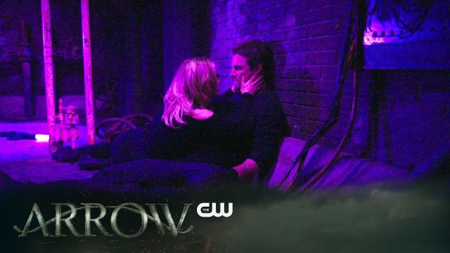 Oliver and Felicity are Trapped Underground in Arrow Episode 5.20 Promo