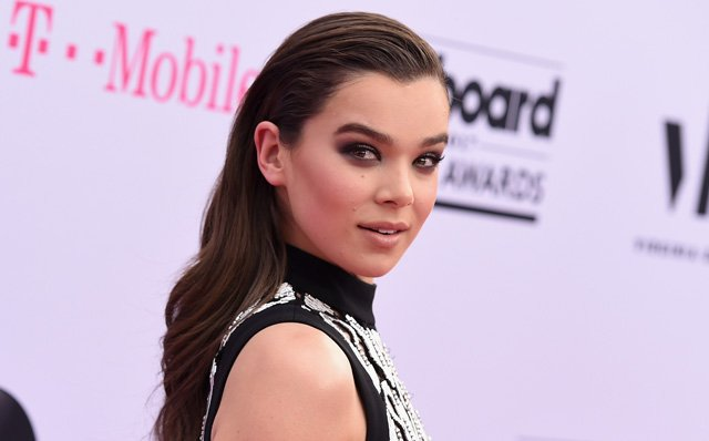 Hailee Steinfeld to Star in the Bumblebee Spin-off