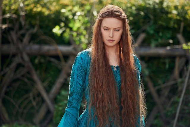 First Daisy Ridley Photo from Ophelia