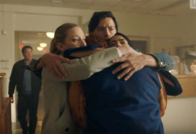 Comic-Con: Riverdale Season 2 Trailer, Plus Season 1 Bloopers