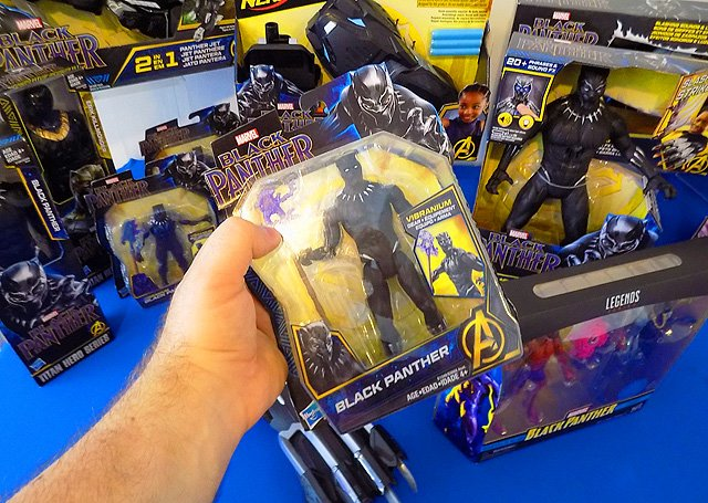 Hasbro Thor: Ragnarok and Black Panther NYCC Toy Gallery