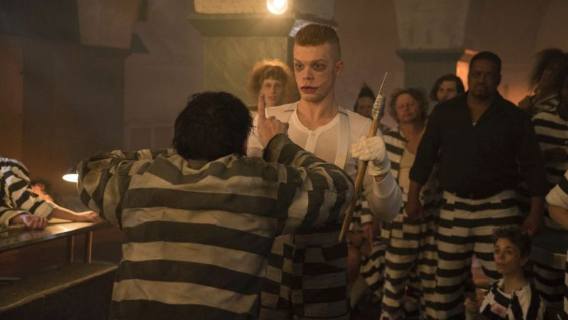 Jerome Takes on Penguin in New Gotham Photos