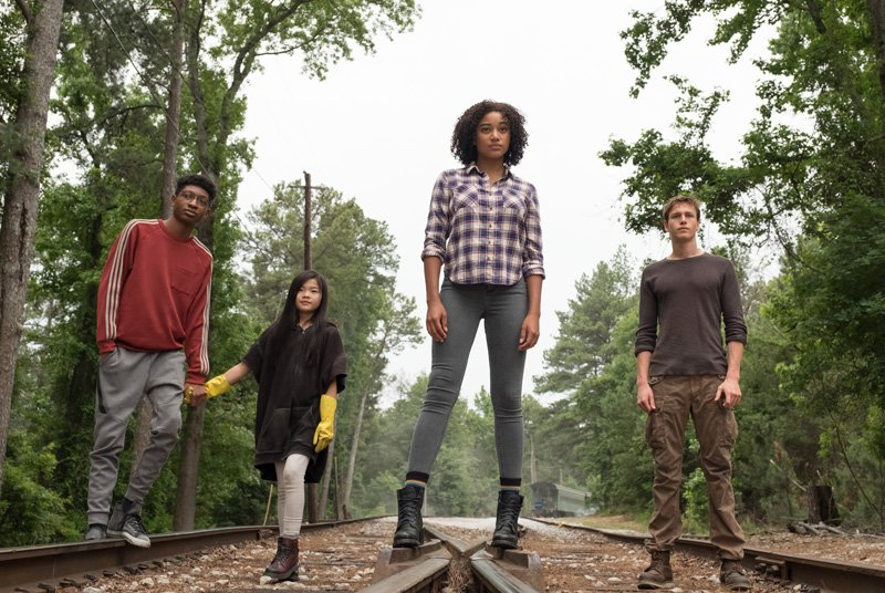 Teens Develop Powers in The Darkest Minds Trailer and Poster