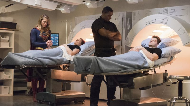 New Supergirl Photos Tease an Attack by Pestilence
