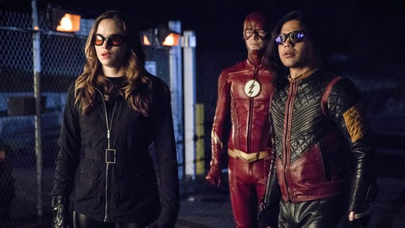 The Flash Episode 4.22 Photos: Think Fast