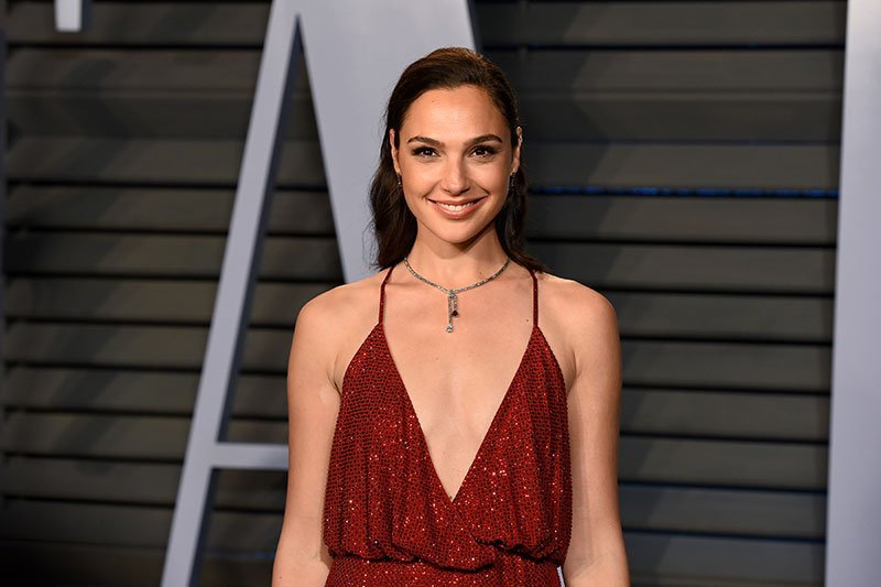 Gal Gadot Joins Dwayne Johnson in Action Movie 'Red Notice'