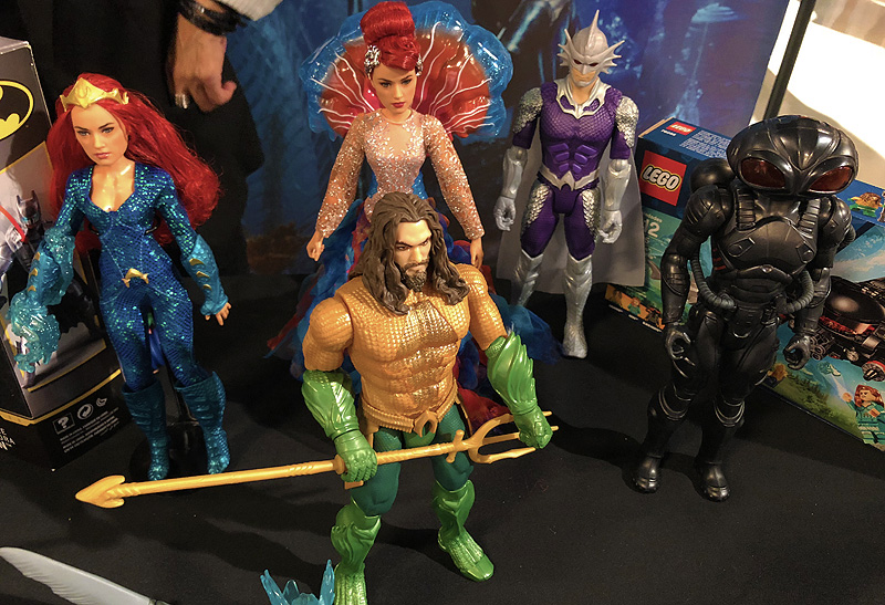 TTPM Holiday Showcase Gallery With Aquaman, BumbleBee & More!