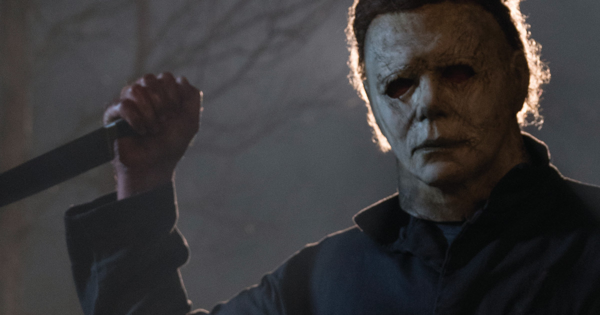 Jamie Lee Curtis reunites with original Halloween costar at sequel's premiere