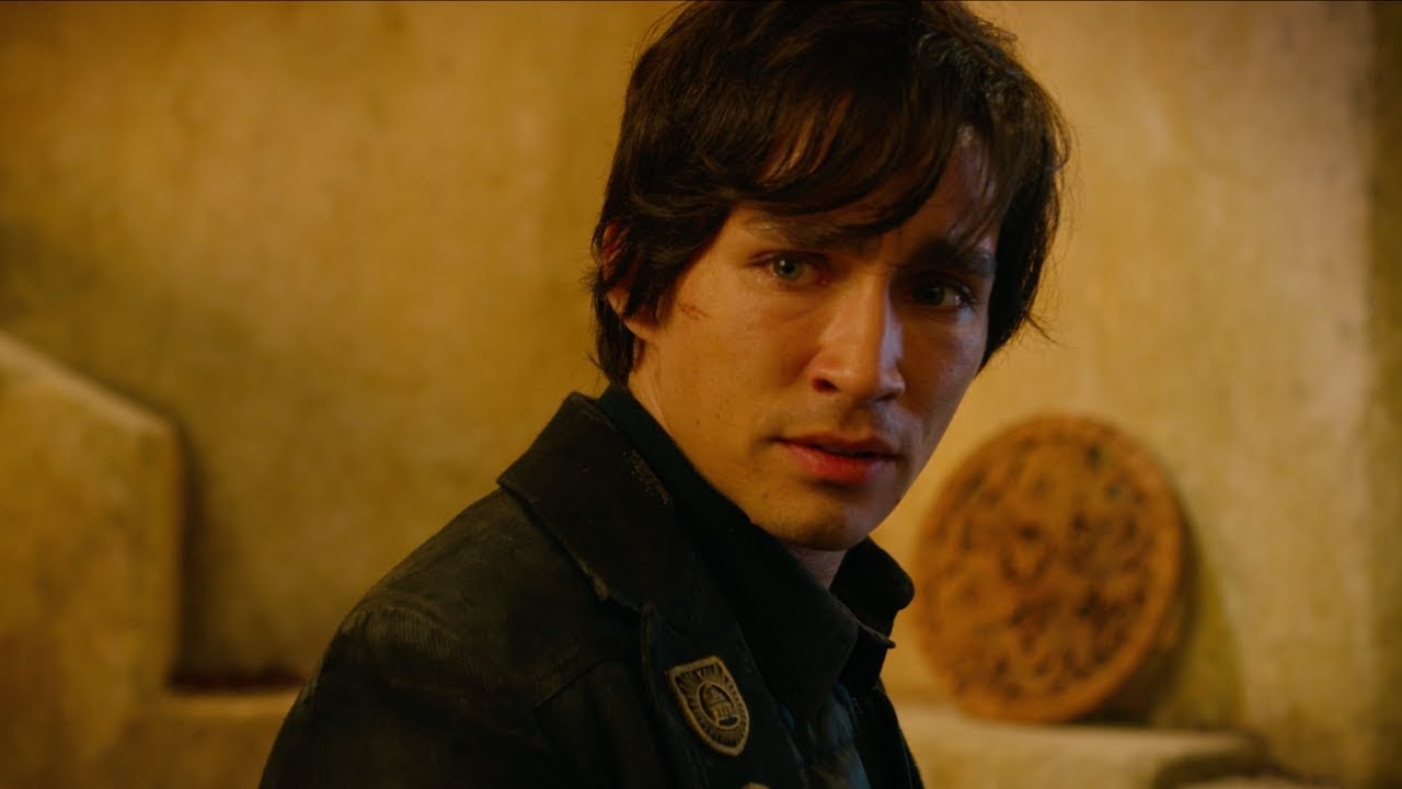 Get to Know Tom Natsworthy in the New Mortal Engines Featurette
