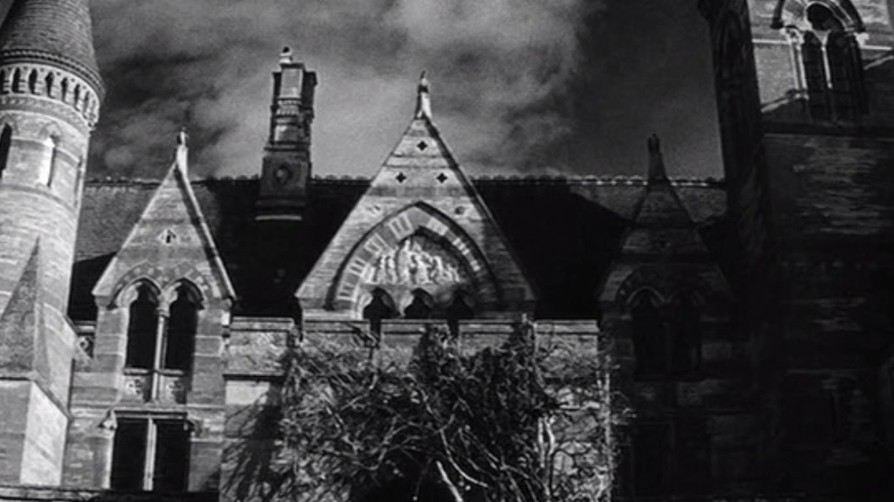 Home is Where The Haunt Is - Top 10 Haunted House Movies