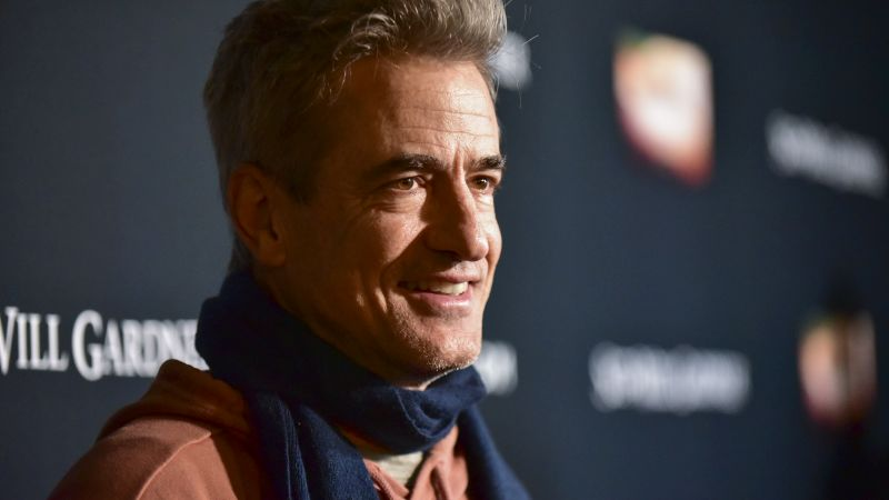 Comedy 2 Men and A Pig Lands Dermot Mulroney as Lead