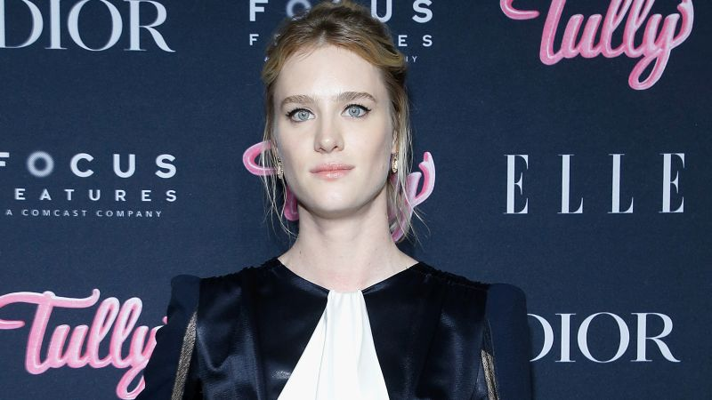 Mackenzie Davis Joins Kirsten Stewart in Happiest Season
