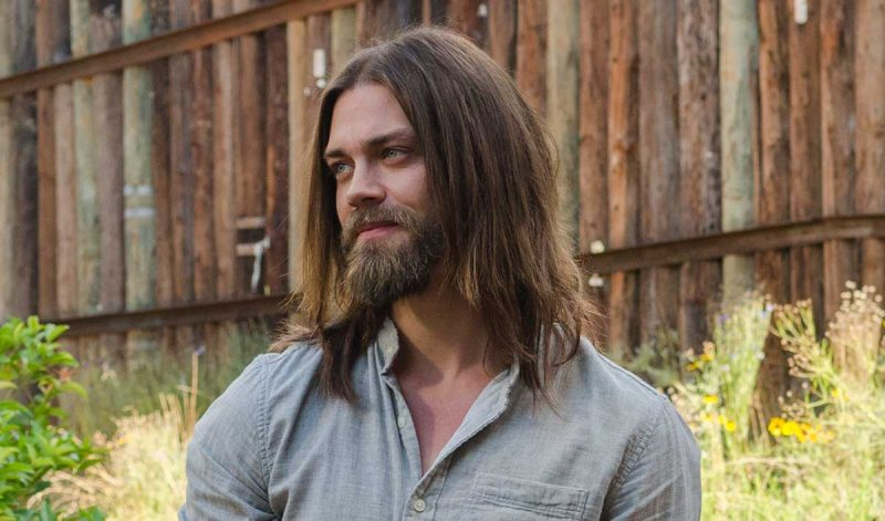 Tom Payne to replace Finn Jones