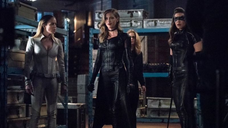 The Girls Team Up in New Arrow Episode 7.18 Photos