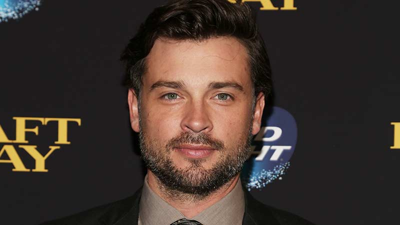 TOM WELLING Back as CLARK KENT for CW's CRISIS ON INFINITE EARTHS