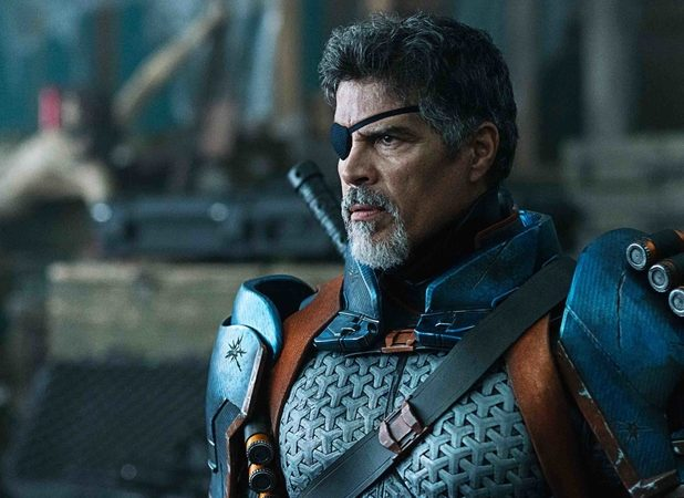 Dick Grayson Fights Deathstroke in Titans Episode 2.08 Photos