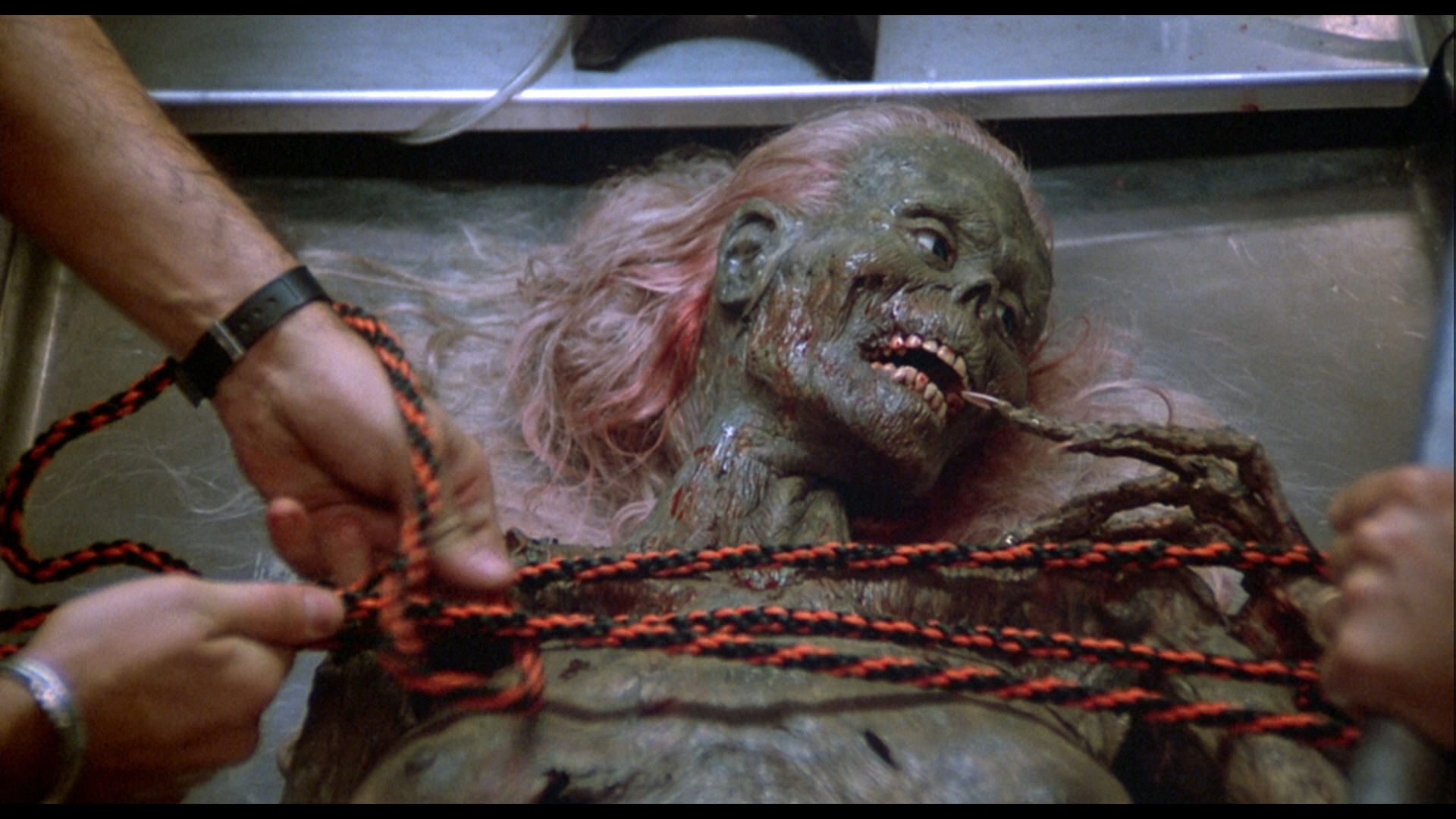 3. Return of the Living Dead - Table Zombie
