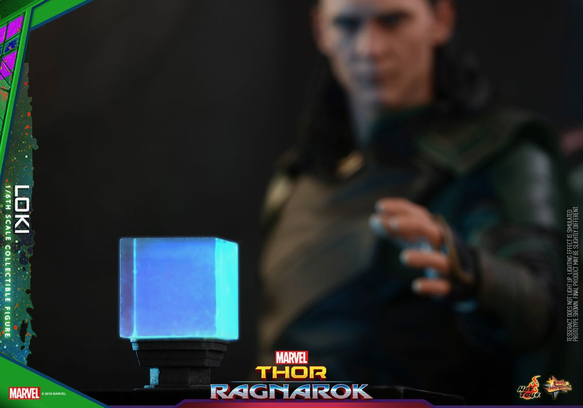 hot-toys-thor-3-loki-collectible-figure_pr24