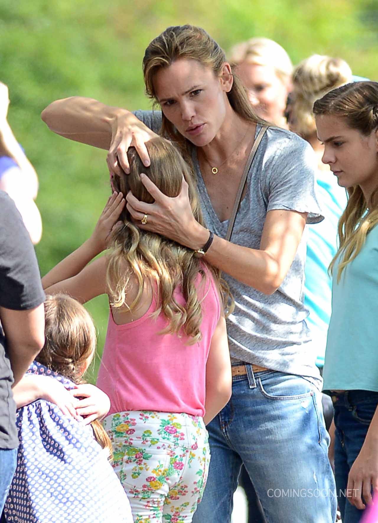 Jennifer Garner on Miracles From Heaven Set