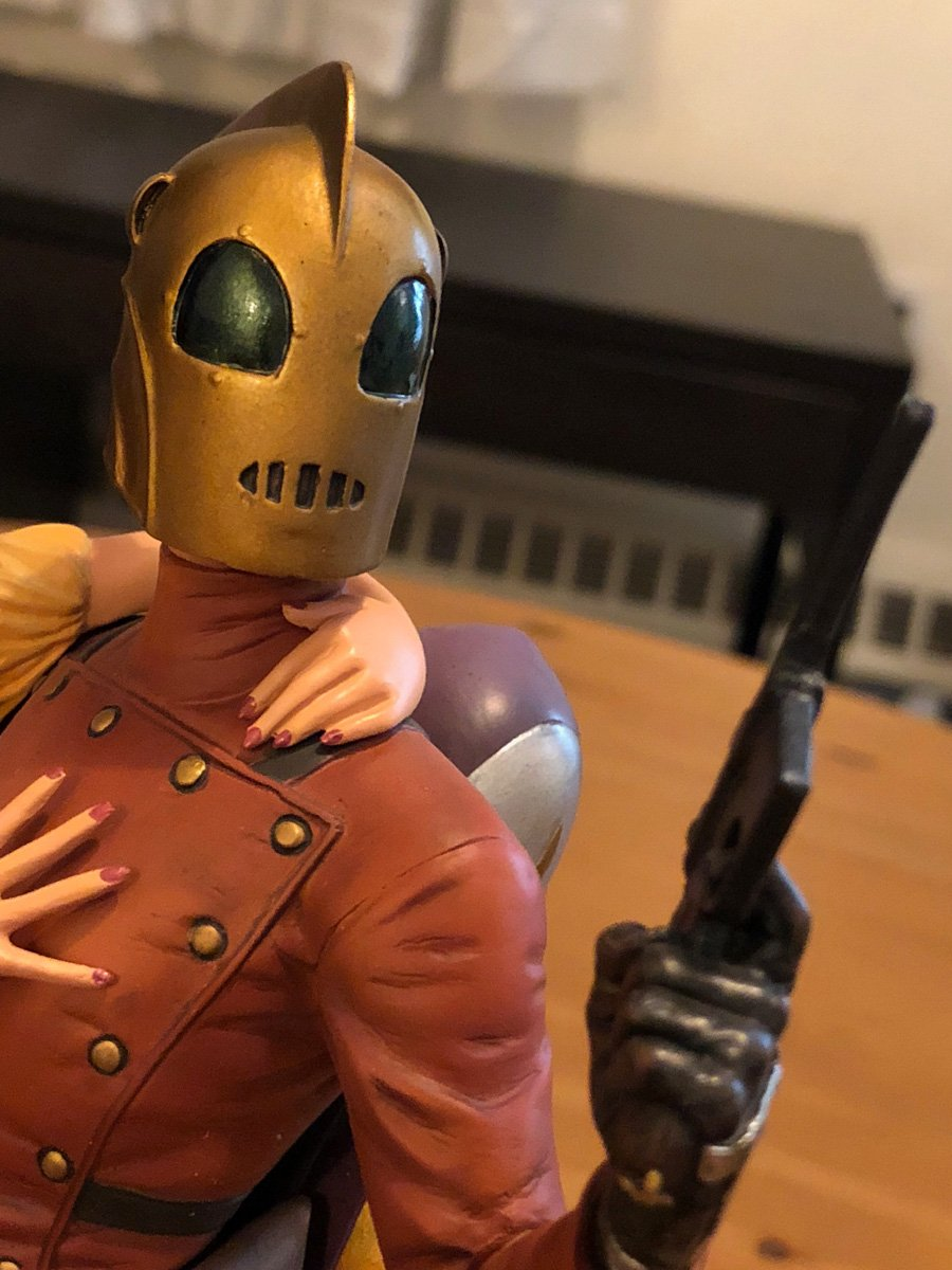 Rocketeer & Betty Statue