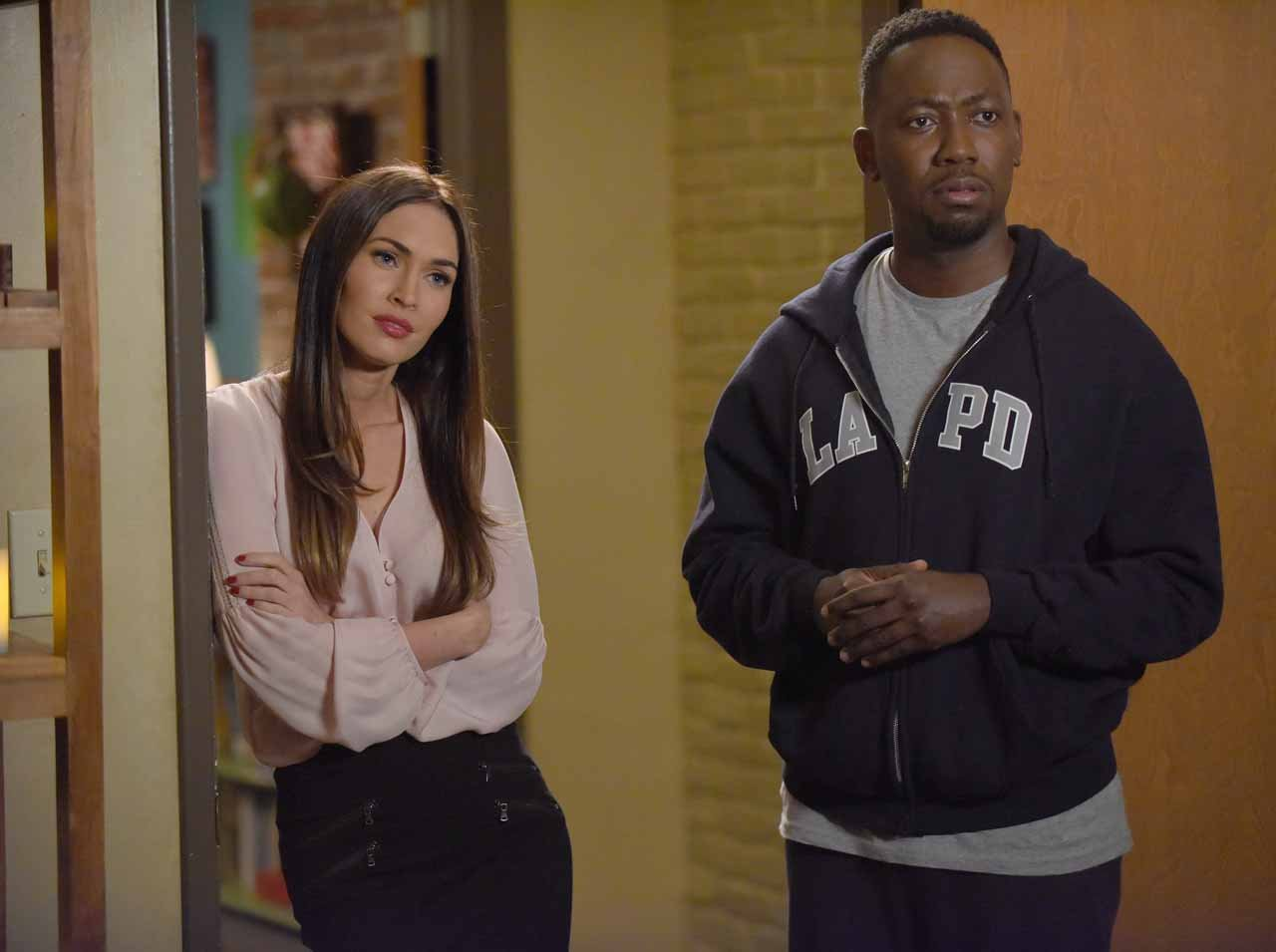 "NEW GIRL: L-R: Guest star Megan Fox and Lamorne Morris in the ""Reagan"" episode of NEW GIRL airing Tuesday, Feb. 9 (8:00-8:30 PM ET/PT) on FOX. ©2016 Fox Broadcasting Co. Cr: Ray Mickshaw/FOX"