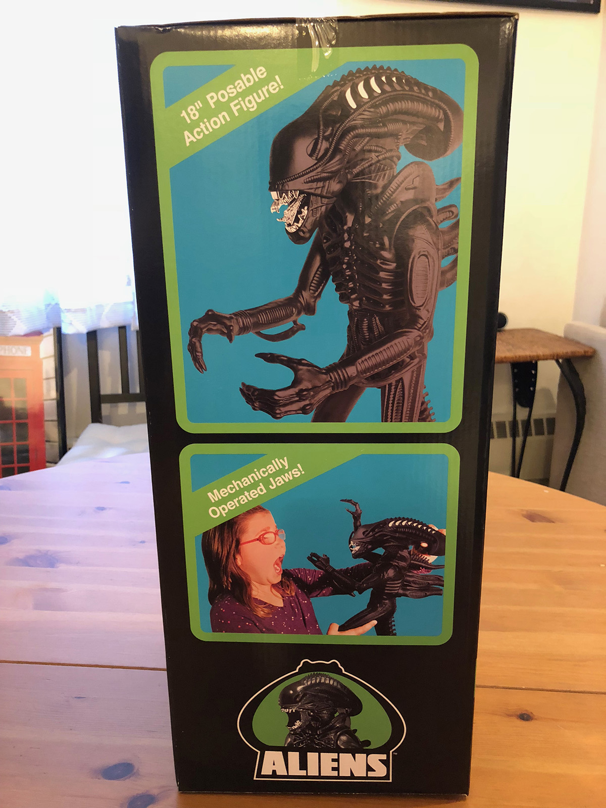 Super7 Aliens 18-Inch Warrior Figure