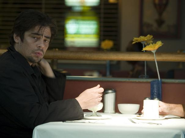 Things_We_Lost_Benicio_Del_Toro_2.jpg