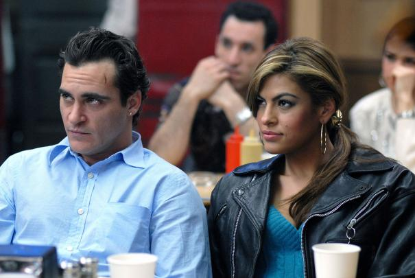 We_Own_the_Night_Joaquin_Phoenix_Eva_Mendes_1.jpg